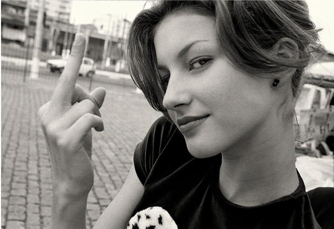 Gisele Bündchen aos 15 anos, fotografia divulgada pela Folha de S. Paulo. A imagem de enfant terrible não perdurou...