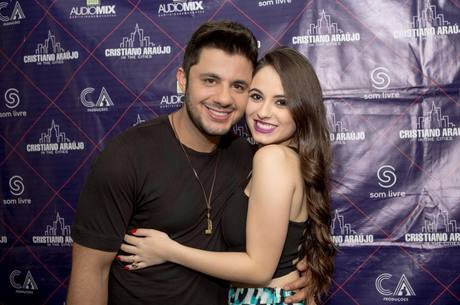Última foto de Cristiano Araújo e a namorada, Allana Moraes. Fonte: R7