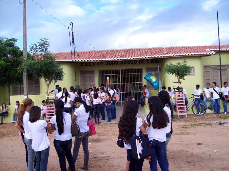 A Escola Estadual de Educação Profissional Padre João Bosco de Lima, de Mauriti, no Ceará, aparece em 1° lugar no ranking das escolas públicas de ensino médio. Foto: Reprodução/Facebook.