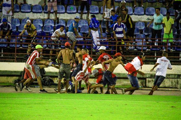Confusão na final do Campeonato Alagoano de 2016. fonte: TNH1